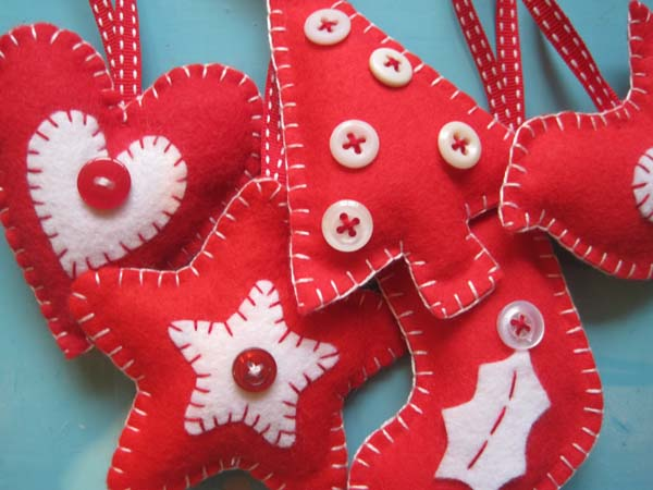 make your own christmas felt decorations class wednesday 12th december 10am 1pmplaces still available - How To Make Your Own Christmas Decorations